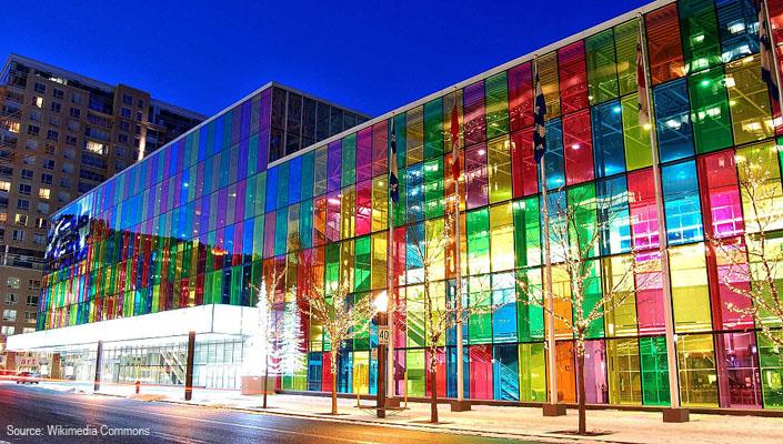 Palais_des_congres-Wikimedia-Commons